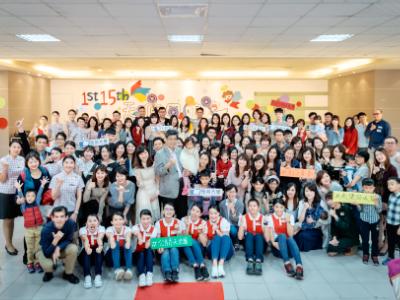 長榮大學公關天使團回娘家 凝聚情感並發表新制服