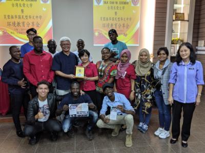 跨國深耕環境教育 長榮大學永續學程至馬來西亞中學進行根與芽行動分享會