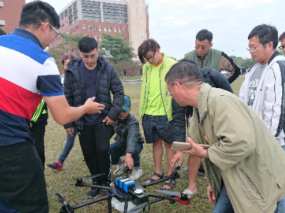農民共學「機」不可失 長榮大學為農民舉辦無人機課程