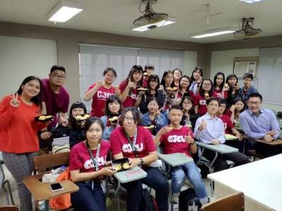 長榮大學東南亞學程到菲律賓三一大學   境外學習模式受肯定
