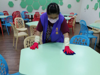 守護師生健康 長榮大學全面清潔教室 進行班級防疫宣導