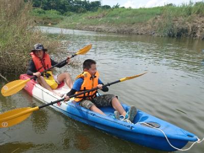 看見二仁溪之美 長榮大學邀請社區居民參加獨木舟體驗
