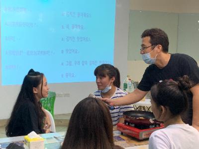 長榮大學異國文化交流體驗 「美味韓食」學文化