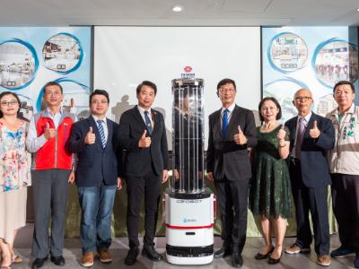 長榮大學安科院與經緯航太產學合作 防疫生力軍「智慧移動消毒機器人」今亮相