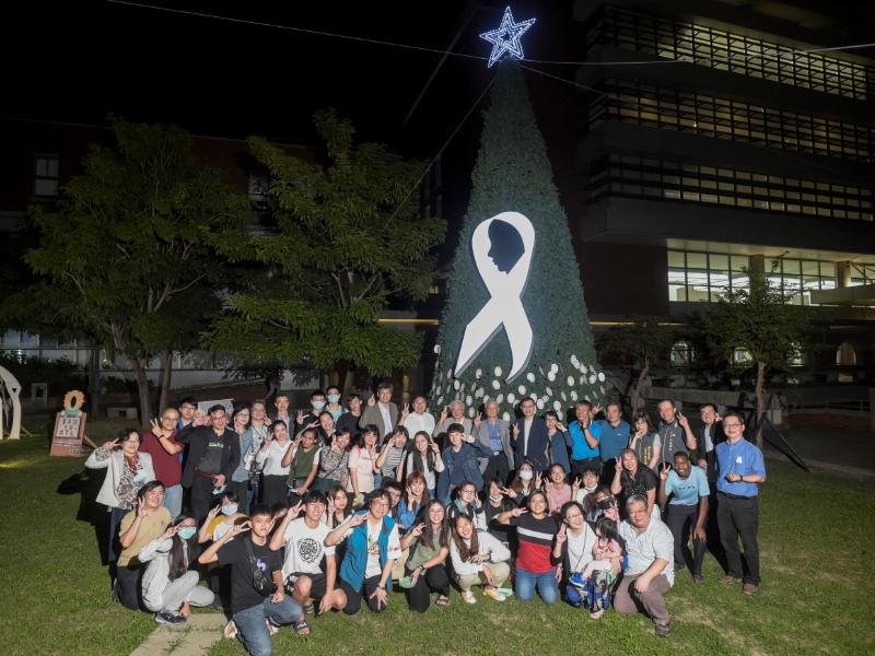 長榮大學聖誕點燈  在光明中重生與盼望
