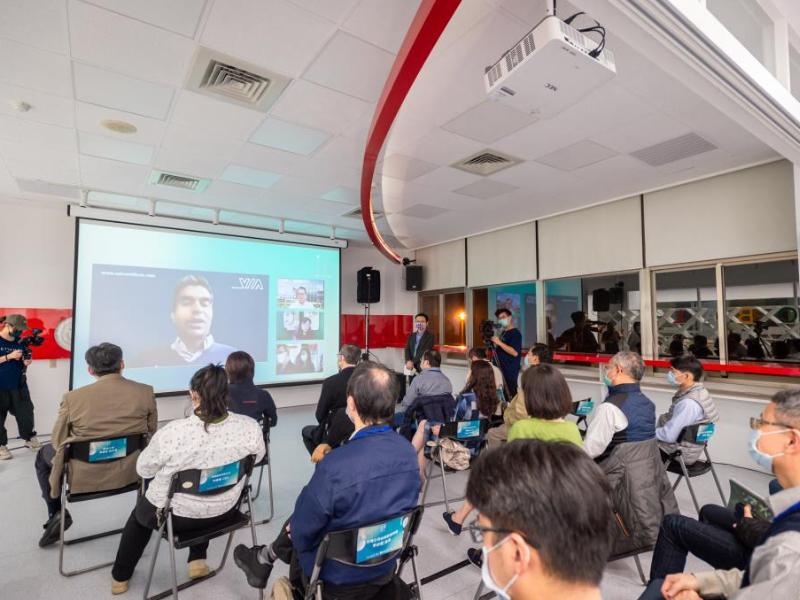 長榮大學「IF國際產學創新論壇」   邀請加密科技先驅公司VIA創辦人Colin Gounden討論資安問題
