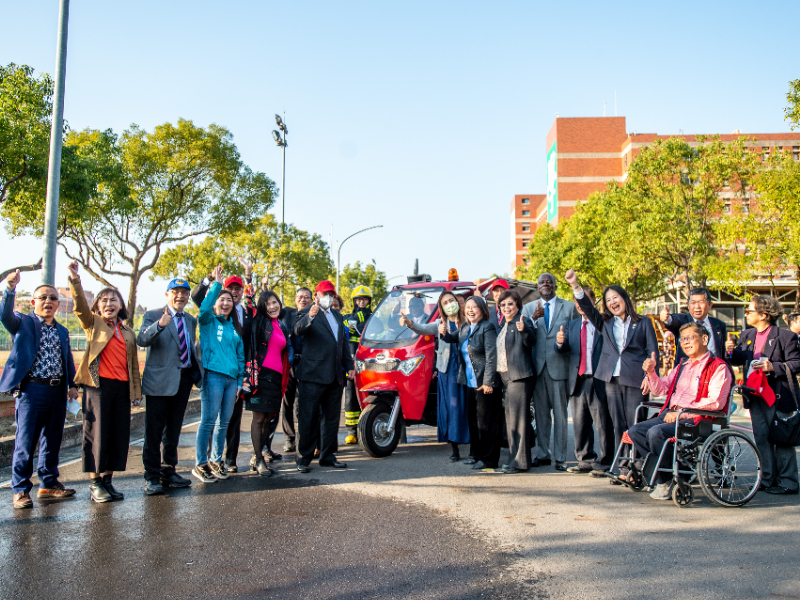 長榮大學攜手亞而特 開發綠能電動三輪車