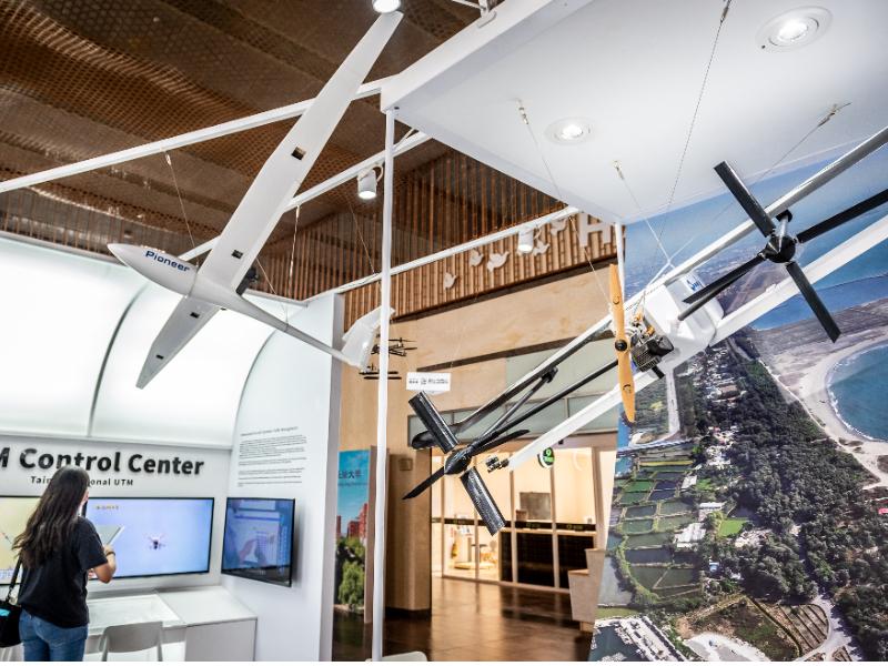 未來無人機展示 行政大樓一樓登場