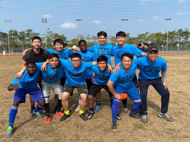 台南地区ベトナム学生サッカー大会 長榮大學のベトナムチームが準優勝